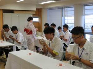 写真7(高瀬と台湾生徒)