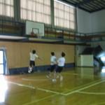 ②バスケゴール下の攻防